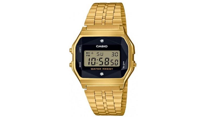Idealny zegarek dla YouTubera MUSI być retro i mieć kalkulator