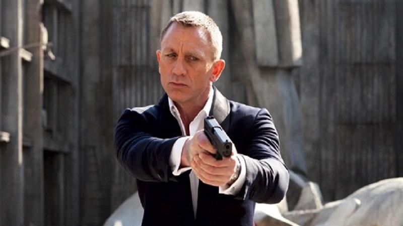 Wydawca Walking Dead stworzy grę o Bondzie?